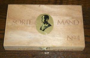 """Norska cigarren """"Sorte mand"""" med en bild av romaren Scipio. (Bild från e-Bay.)"""