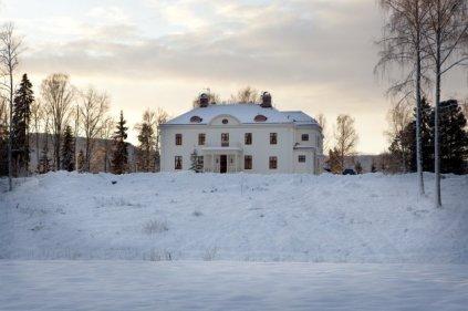 Disponentvillan i Ljungaverk i vacker vinterskrud - LC's födelseplats!