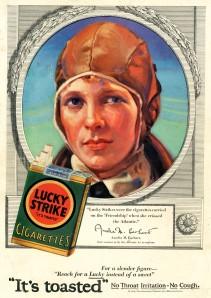 De amerikanska aviatrisen Amelia Earhart användes i reklamen för idén om att konsumera cigaretter i stället för att äta. För mer om Amelias öde, klicka på TIGHAR-länken längre ned på sidan.