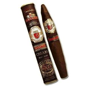 Bossners snyggaste cigarr torde vara Ambassador i elegant bukfaçon. Snyggt rör är den förpackad i också.