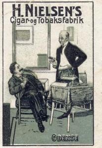 Två danska herrar herfar tillsammans! (Bilden, som är något beskuren, används med tillstånd från sajten filatelisten.dk.)