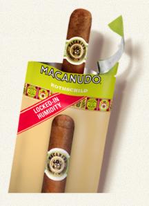 En Macanudo från General Cigar Company i sin fuktighetsförpackning.